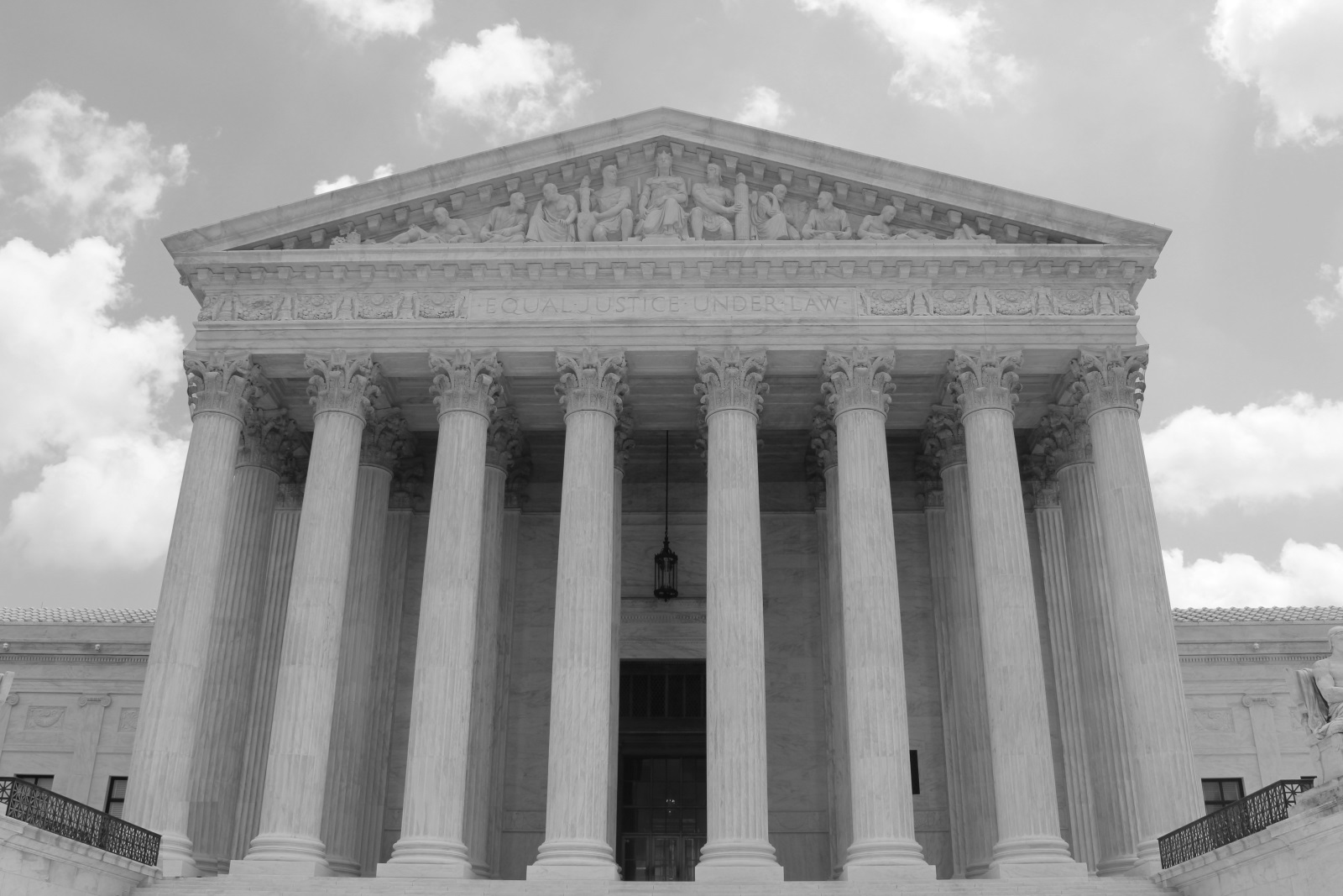 SupremeCourt-ca_zerolicense_bw